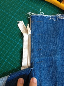 Reissverschluss in Jeans nähen