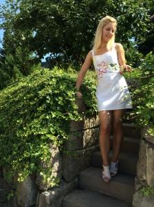 painted dress mit Efeu